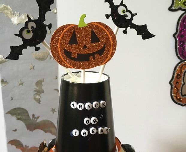 halloween-candy-cake-topper